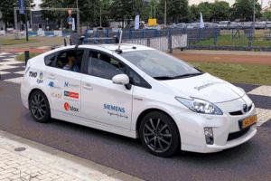 Siemens интегрира високопрецизния GNSS модул ZED-F9K на u-blox в интелигентни тестови автомобили