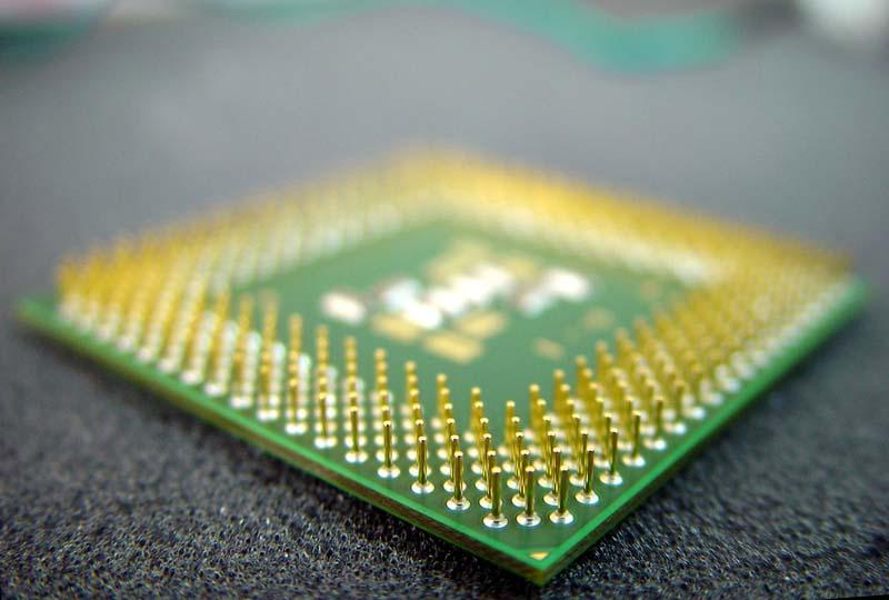 Пазарът на електронни компоненти с най-голям ръст за последните 14 години