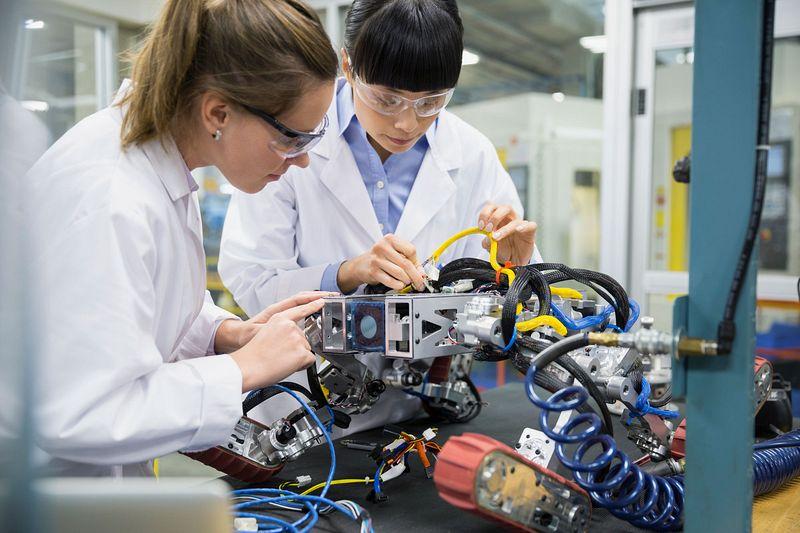Eaton стартира EMS партньорство с Jabil в областта на електромобилността