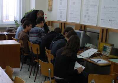 ТУ София стартира нови програми за обучение по електроника