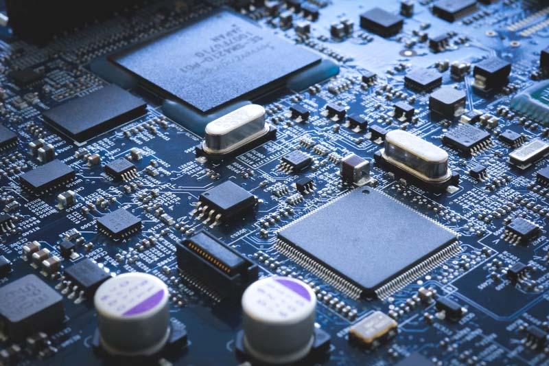 Годишните доставки на електронни модули надхвърлиха 1 трилион