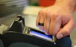 Вградиха чип за сигурност на <strong>Infineon</strong> в пръстен за безконтактни плащания с технология NFC